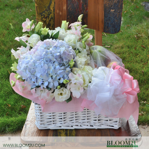 Hydrangea flower basket with fruits
