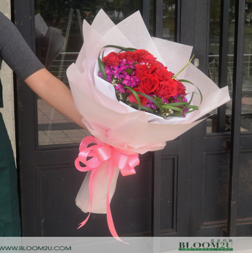 Red Roses Delivery