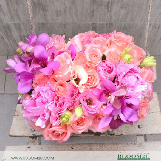 Roses and Peonies flower arrangement