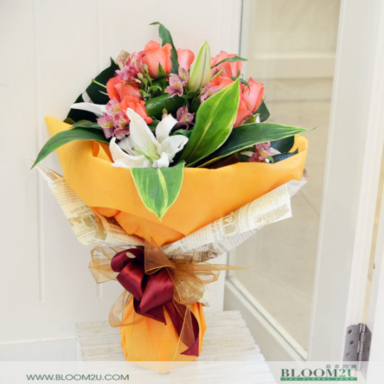 rose mix lily bouquet