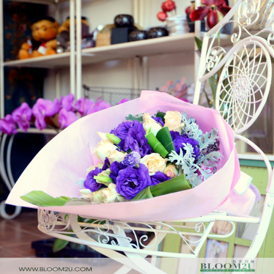 Eustoma Hand Bouquet
