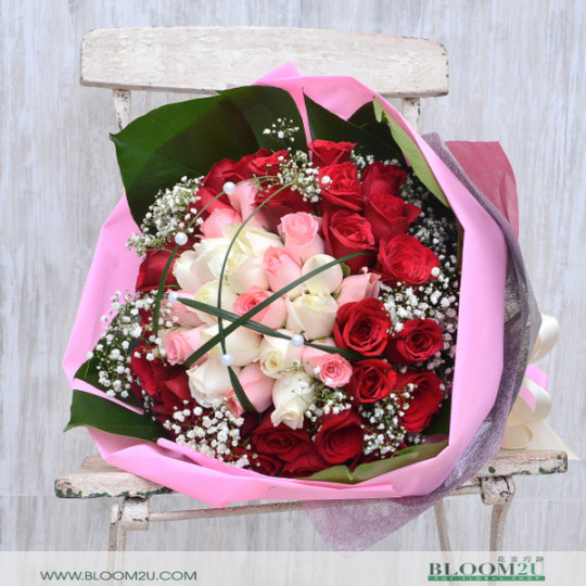 Red Pink White Bouquet