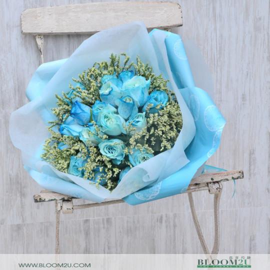 20 Stalks Blue Roses Bouquet