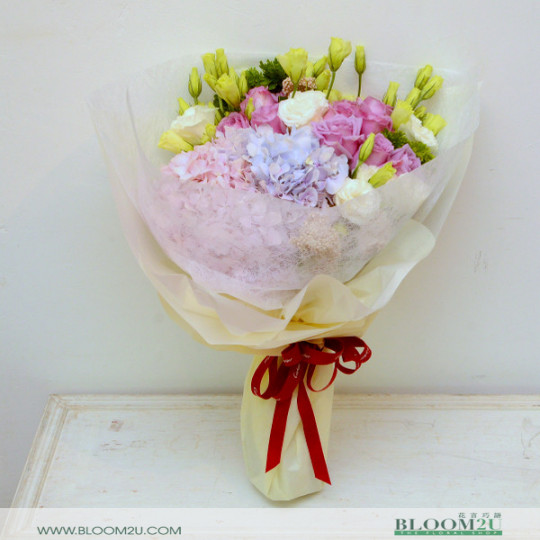 Hydrange and roses bouquet