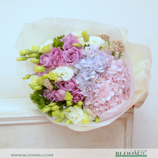 hydrangea and eustoma bouquet