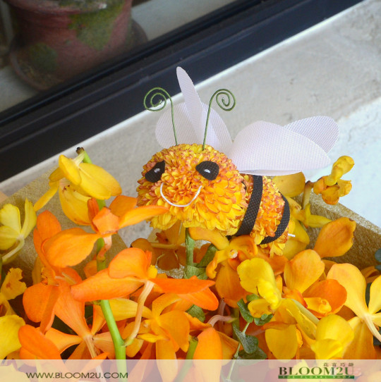 Bees Bouquet