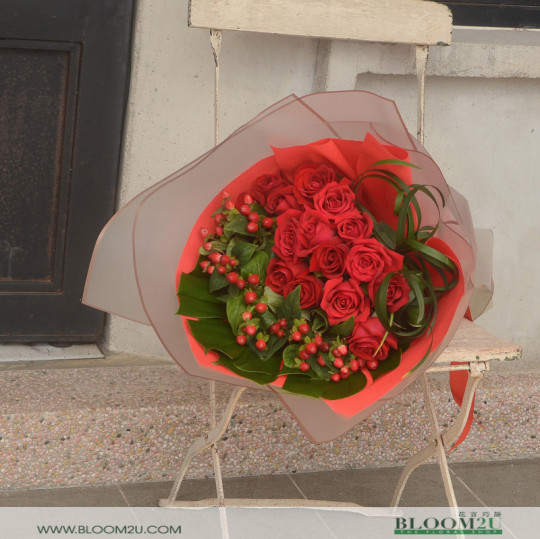 A dream red roses bouquet
