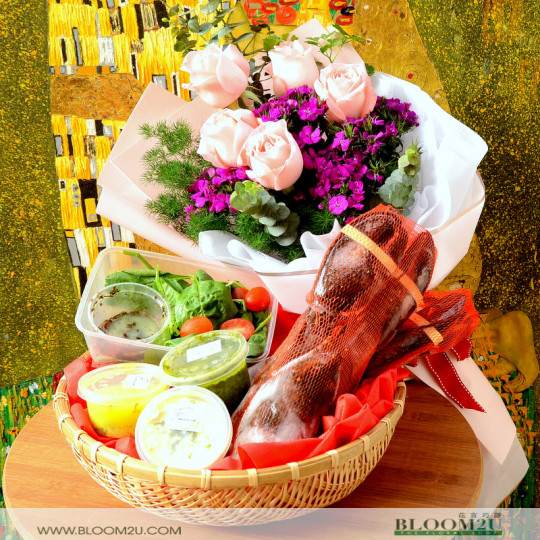 Lobster with rose bouquet
